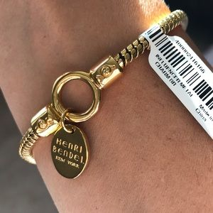 NWT Henri Bendel Influencer golden plated bracelet